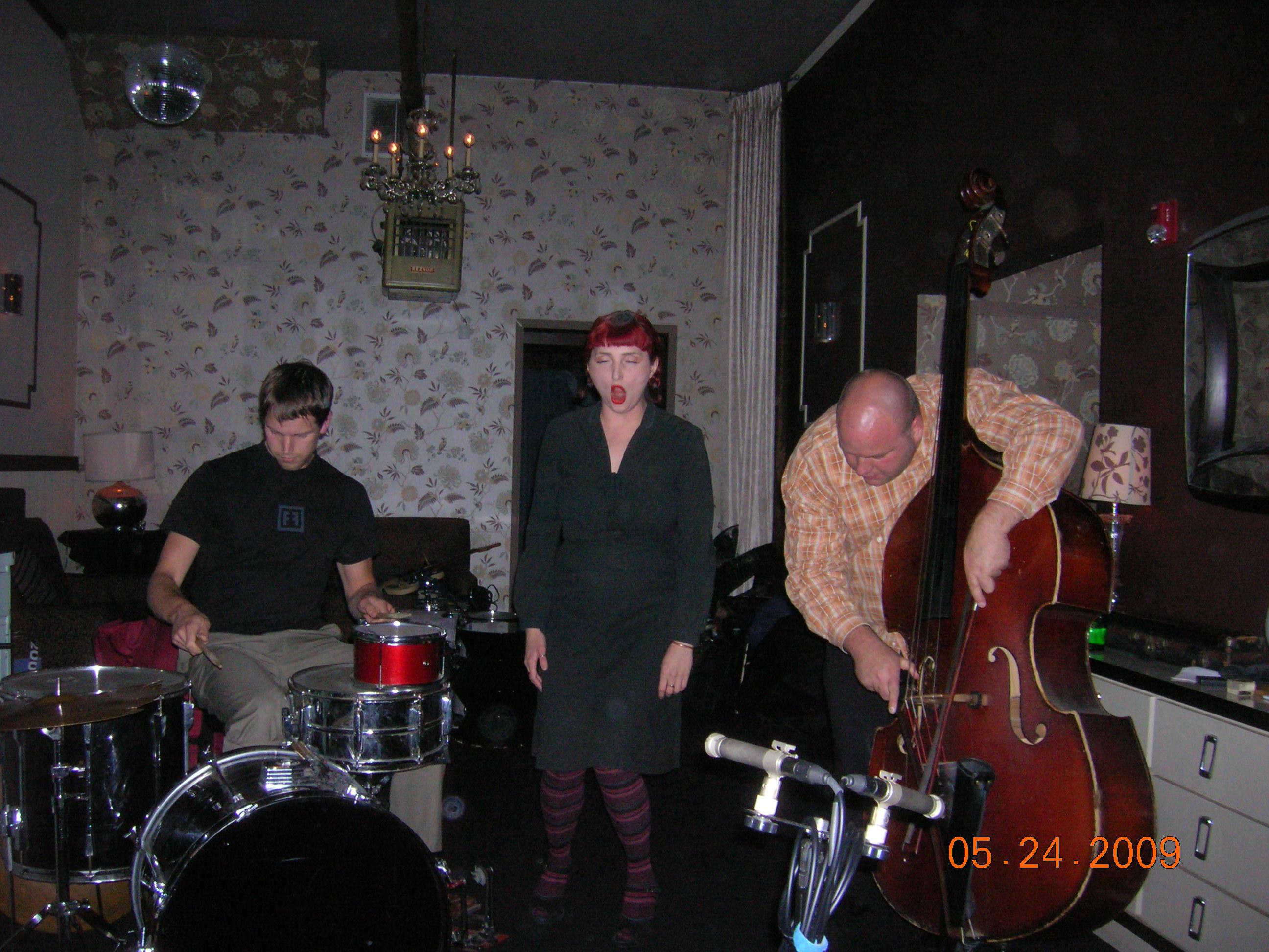 Jacob Felix Heule, Aurora Josephson, Damon Smith / Ivy Room, May 2009