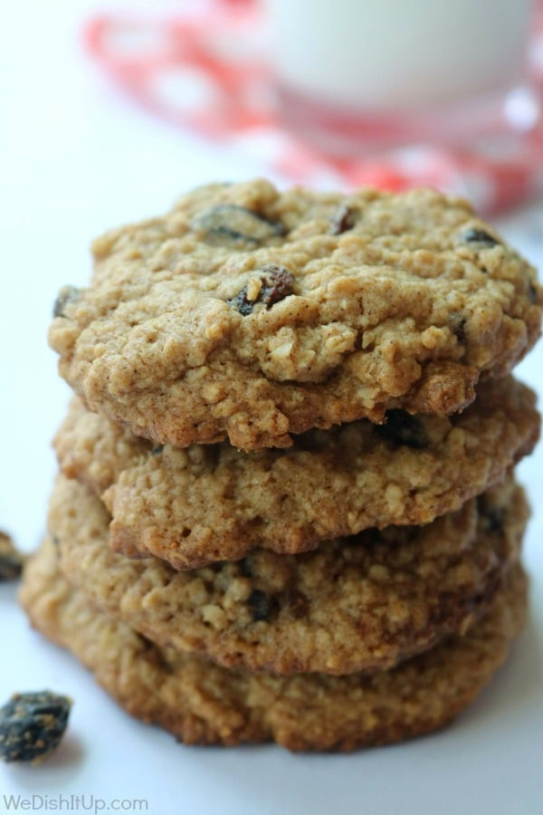 The Best Soft Oatmeal Cookies