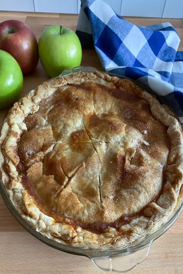 Classic Homemade Apple Pie