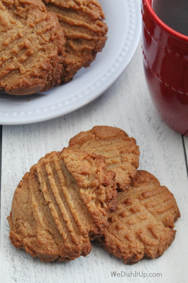 Easy Low Carb Peanut Butter Cookies