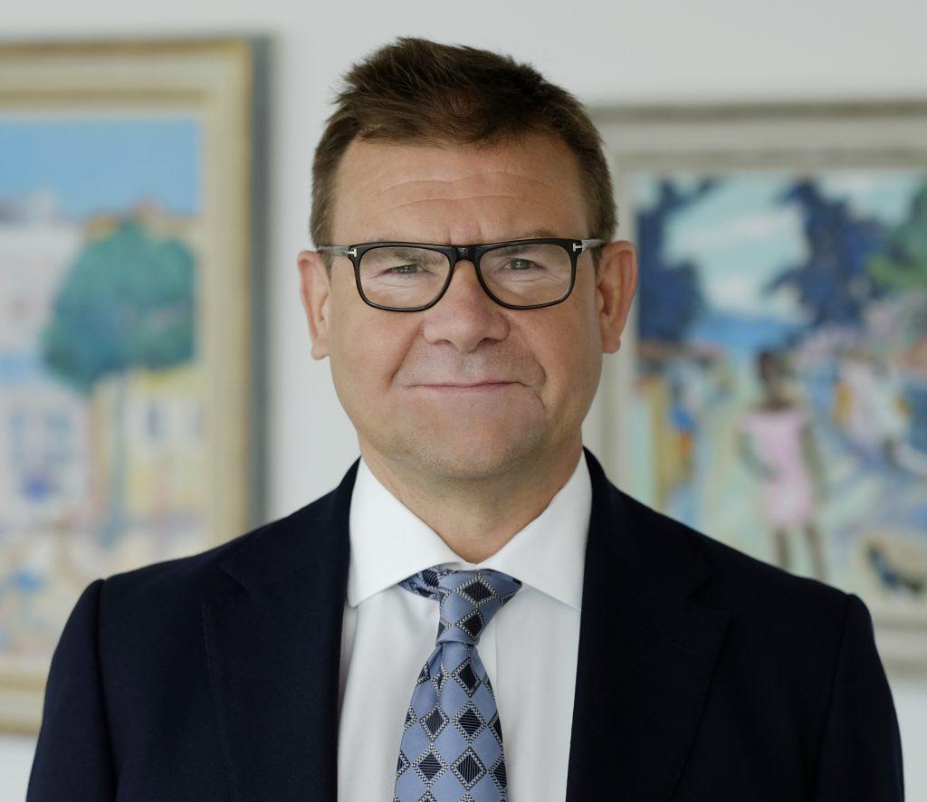 Martin Arnold  Wedlake Bell