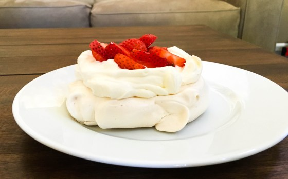 wee eats strawberry pavlova