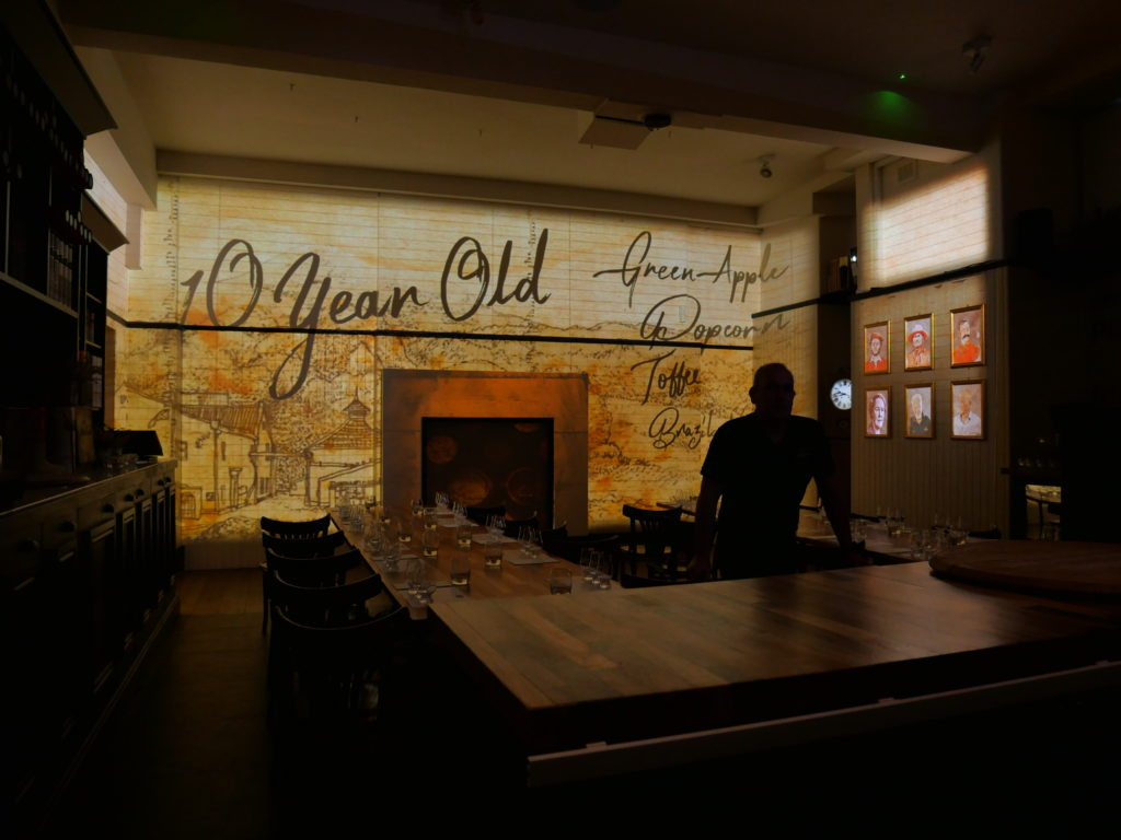 Immersive whisky tasting show experience, multi projections, projection mapping, Fringe Festival in Edinburgh