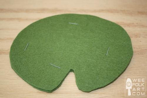cuttingfelt stapleinsteadofpinwm - Como cortar o feltro