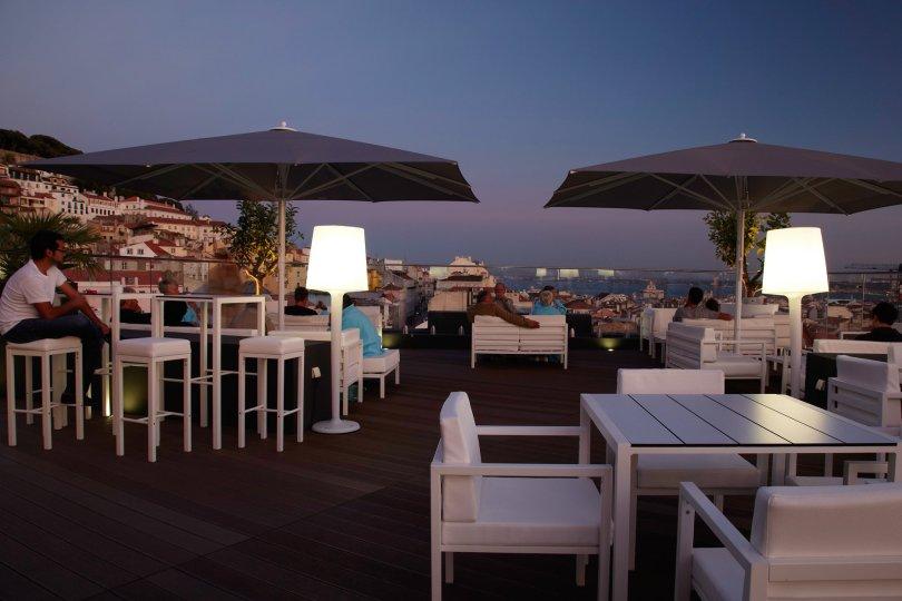 Rooftop Bar - Terrasse en soiree - Hotel Mundial Lisbonne