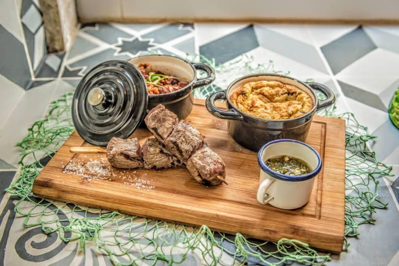 Brochette de veau avec haricots et souffle de coriandre - Restaurant Pao a Mesa - Lisbonne