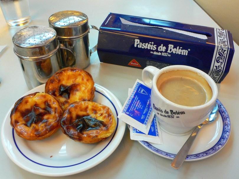 Pasteis de Belem avec un cafe - Lisbonne