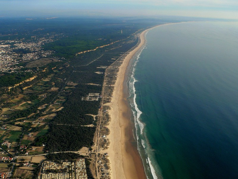Plages de la zone protégée de Costa da Caparica - Région de Lisbonne / Photo de André Pipa (Flickr)