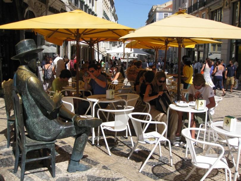 Cafe A Brasileira - Statue de Fernando Pessoa - Lisbonne