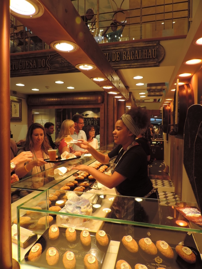 boutique-casa-do-portuguesa-pastel-de-bacalhau-beignets-de-morue-lisbonne