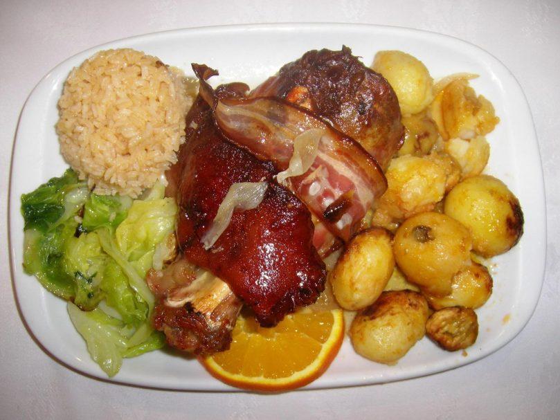 Plat traditionnel portugais - Velho Macedo - Restaurant Lisbonne