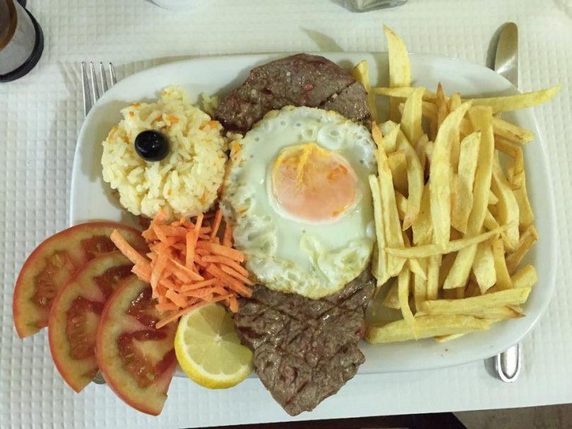 steak a la portugaise chez Adega do Tagarro - bistrot traditionnel - restaurant - lisbonne