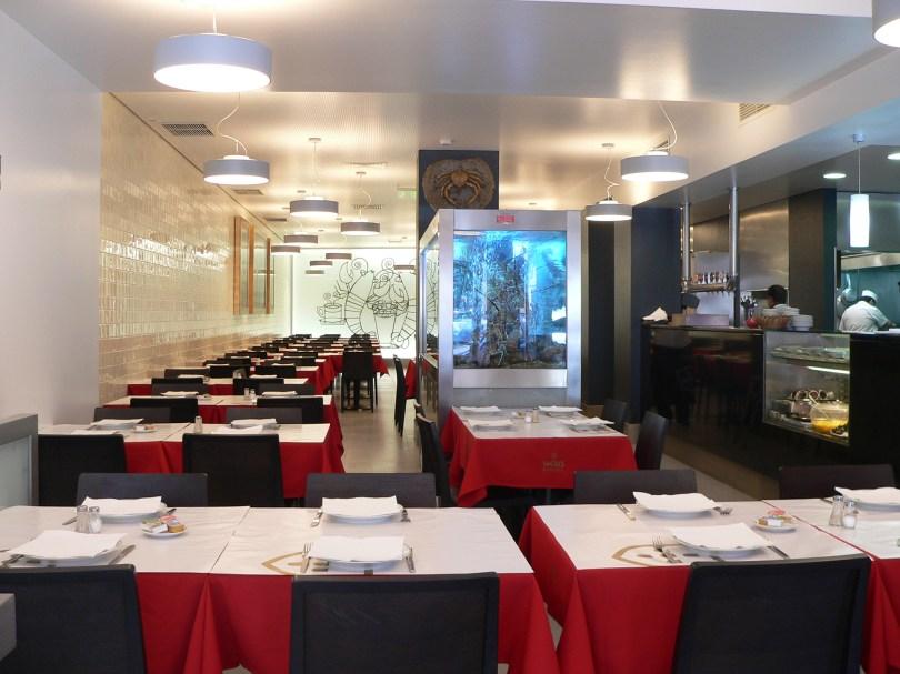 O Relento - Salle du restaurant de poissons et crustaces - Lisbonne - Alges