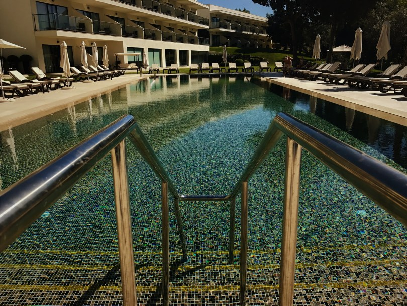 Rampe Piscine Exterieure - Hotel Vila Gale Palacio dos Arcos - 5 etoiles pres de Lisbonne