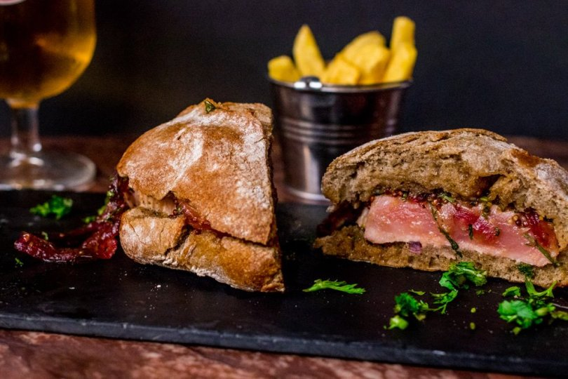Sandwich au Thon - Prego de Atum - The George Pub - Sports Bar - Lisbonne
