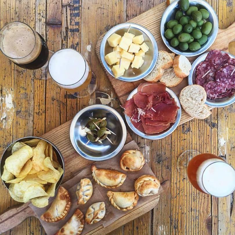Apero empanadas au El Chanta - Snackbar argentin - LX Factory - Lisbonne