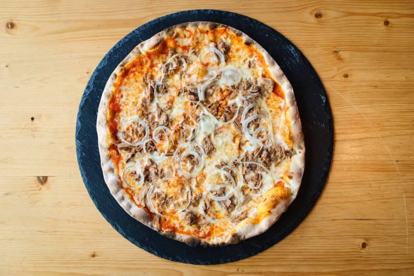 Pizza au thon de la pizzeria La Puttana - Lisbonne