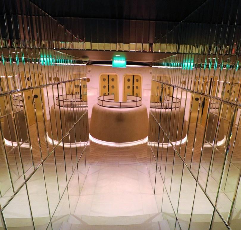 Cabine Dj et toilettes du JNcQUOI - Lisbonne
