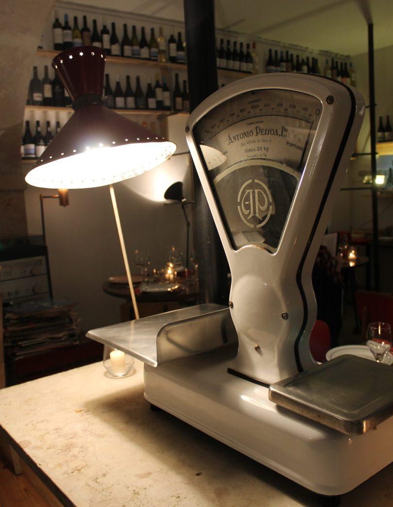 Ancienne balance - Element de decors du restaurant Legaaal - Bairro Alto - Lisbonne