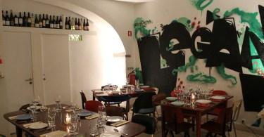 Salle du restaurant Legaaal - Bairro Alto - Lisbonne