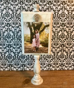 Hot to make a rustic wood photo frame