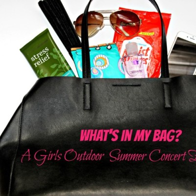 What's in my Bag? A Girls Outdoor Summer Concert Essentials!
