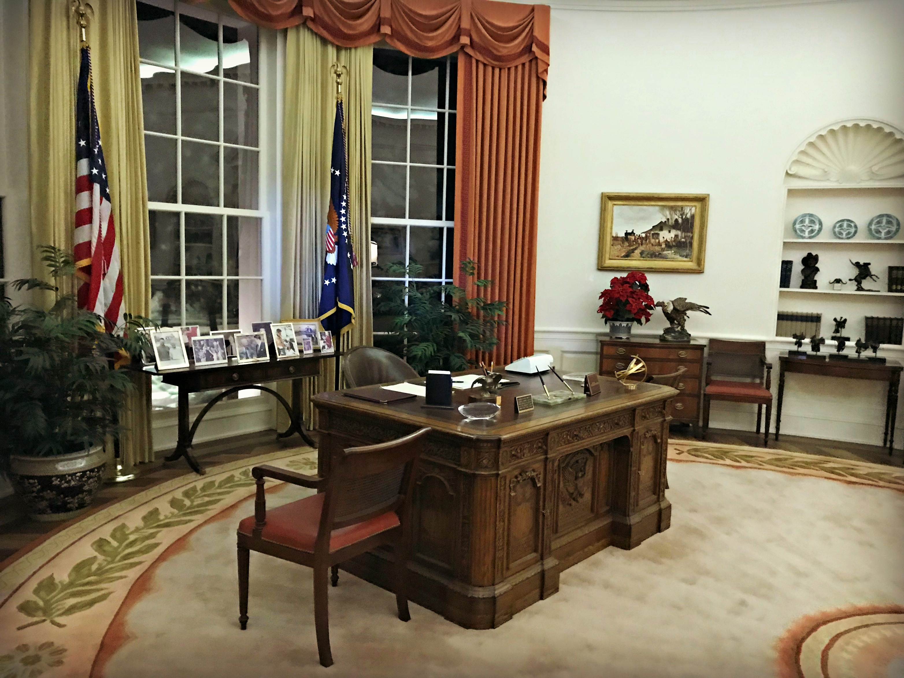 ronald reagan oval office. The Full-scale Replica Of Oval Office Was Another Fascinating Part Library. President Reagan, Inspired By West, Added Earthy Colors, Ronald Reagan I