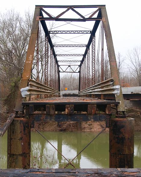 East view of the Tull Bridge