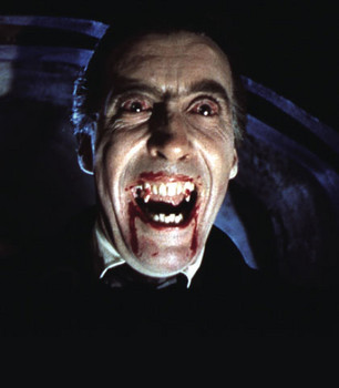1356147764_5042_christopherlee as dracula