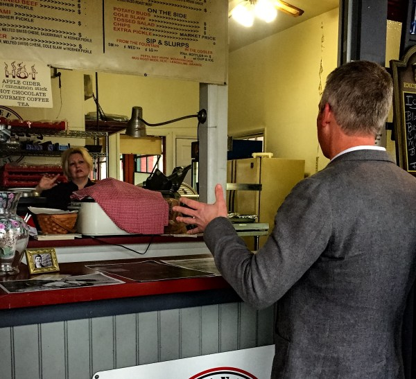 Mayor Elliott had the opportunity to catch up with the owner of Michael's Beef House, Kim Pappas.