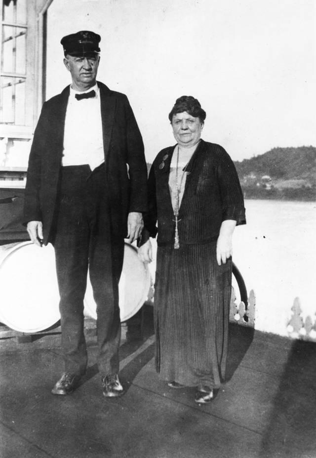 Captain Mary B. Greene next to her husband Gordon, circa 1917
