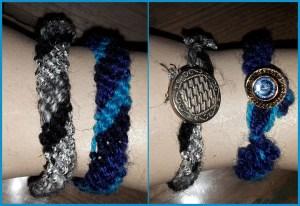 Armbandjes gemaakt door Fleur. Ria is met de blauwe heel blij!