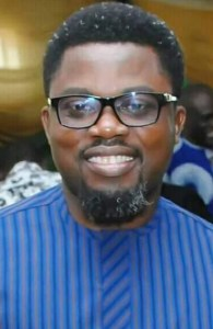 EFCC Storms Calabar, Arrests Ayade's Commissioner In His Residence