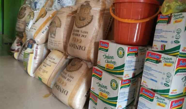 Ekpenyong Distributes Food Items, PPEs To Vulnerable In Cross River