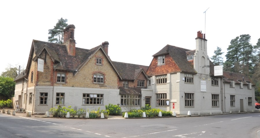 bel and the dragon pub