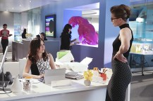 """""""Falling"""" -- Kara turns on her friends and the citizens of National City after being exposed to Red Kryptonite makes her malicious and dangerous, on SUPERGIRL, Monday, March 14 (8:00-9:00 PM, ET/PT) on the CBS Television Network. Pictured left to right: Italia Ricci and Melissa Benoist Photo: Michael Yarish/CBS ©2016 CBS Broadcasting, Inc. All Rights Reserved"""