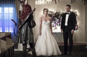 Arrow_S04E16_Broken Hearts_Still
