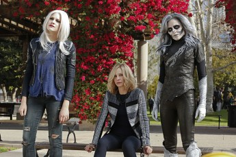 """""""Worlds Finest"""" -- Kara gains a new ally when the lightning-fast superhero The Flash suddenly appears from an alternate universe and helps Kara battle Siobhan, aka Silver Banshee (Italia Ricci, right), and Livewire (Brit Morgan, left) in exchange for her help in finding a way to return him home, on SUPERGIRL, Monday, March 28 (8:00-9:00 PM, ET/PT) on the CBS Television Network. Also pictured: Calista Flockhart (center) Photo: Robert Voets/Warner Bros. Entertainment Inc. © 2016 WBEI. All rights reserved."""