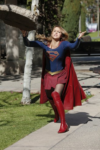 """""""Worlds Finest"""" -- Kara (Melissa Benoist, pictured) gains a new ally when the lightning-fast superhero The Flash suddenly appears from an alternate universe and helps Kara battle Siobhan, aka Silver Banshee, and Livewire in exchange for her help in finding a way to return him home, on SUPERGIRL, Monday, March 28 (8:00-9:00 PM, ET/PT) on the CBS Television Network. Photo: Robert Voets/Warner Bros. Entertainment Inc. © 2016 WBEI. All rights reserved."""