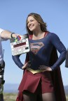 """""""Worlds Finest"""" -- Kara (Melissa Benoist) gains a new ally when the lightning-fast superhero The Flash suddenly appears from an alternate universe and helps Kara battle Siobhan, aka Silver Banshee, and Livewire in exchange for her help in finding a way to return him home, on SUPERGIRL, Monday, March 28 (8:00-9:00 PM, ET/PT) on the CBS Television Network. Photo: Michael Yarish/Warner Bros. Entertainment Inc. © 2016 WBEI. All rights reserved."""