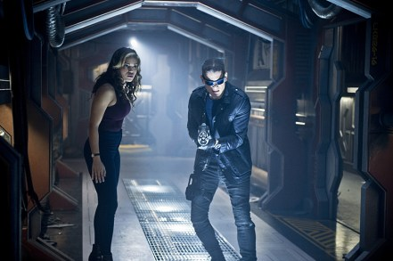 "DC's Legends of Tomorrow --""River of Time""-- Image LGN114b_0054b.jpg -- Pictured (L-R): Ciara Renee as Kendra Saunders/Hawkgirl and Wentworth Miller as Leonard Snart/Captain Cold -- Photo: Diyah Pera/The CW -- © 2016 The CW Network, LLC. All Rights Reserved."