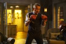 GOTHAM: Sean Pertwee in theÒMad City: Look Into My EyesÓ episode of GOTHAM airing Monday, Oct. 3 (8:00-9:01 PM ET/PT) on FOX. ©2016 Fox Broadcasting Co. Cr: Jessica Miglio/FOX.
