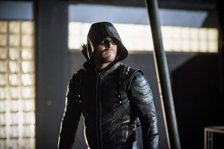 "Arrow -- ""A Matter Of Trust"" -- Image AR503B_0286b.jpg --- Pictured: Stephen Amell as Green Arrow -- Photo: Diyah Pera/The CW -- © 2016 The CW Network, LLC. All Rights Reserved."