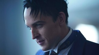 "GOTHAM: Robin Lord Taylor in the ""Mad City: Follow the White Rabbit"" episode of GOTHAM airing Monday, Oct. 24 (8:00-9:01 PM ET/PT) on FOX. ©2016 Fox Broadcasting Co. Cr: Nicole Rivelli/FOX."
