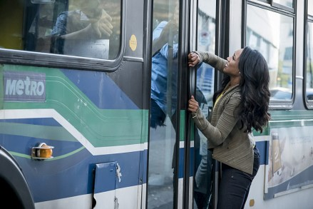 "The Flash -- ""Monster"" -- Image FLA305a_0077b.jpg -- Pictured: Candice Patton as Iris West -- Photo: Katie Yu/The CW -- © 2016 The CW Network, LLC. All rights reserved."