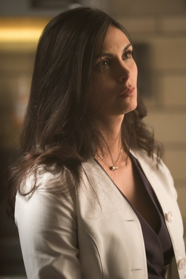 GOTHAM: Morena Baccarin in the ÒMad City: Smile Like You Mean ItÓ episode of GOTHAM airing Monday, Jan. 23 (8:00-9:01 PM ET/PT) on FOX. Cr: Jessica Miglio/FOX.