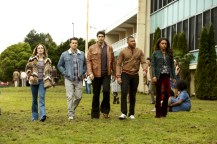 """DC's Legends of Tomorrow --""""Raiders of the Lost Art""""-- LGN209c_0004.jpg -- Pictured (L-R): Caity Lotz as Sara Lance/White Canary, Nick Zano as Nate Heywood/Steel, Brandon Routh as Ray Palmer/Atom, Franz Drameh as Jefferson """"Jax"""" Jackson and Maisie Richardson- Sellers as Amaya Jiwe/Vixen -- Photo: Bettina Strauss/The CW -- © 2017 The CW Network, LLC. All Rights Reserved"""