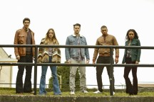 """DC's Legends of Tomorrow --""""Raiders of the Lost Art""""-- LGN209c_0093.jpg -- Pictured (L-R): Brandon Routh as Ray Palmer/Atom, Caity Lotz as Sara Lance/White Canary, Nick Zano as Nate Heywood/Steel, Franz Drameh as Jefferson """"Jax"""" Jackson and Maisie Richardson- Sellers as Amaya Jiwe/Vixen -- Photo: Bettina Strauss/The CW -- © 2017 The CW Network, LLC. All Rights Reserved"""