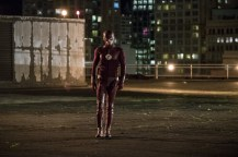 """The Flash -- """"Borrowing Problems from the Future"""" -- Image FLA310a_0162b.jpg -- Pictured: Grant Gustin as The Flash -- Photo: Katie Yu/The CW -- © 2016 The CW Network, LLC. All rights reserved."""
