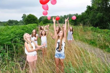 meisjes-meiden-gelukkig